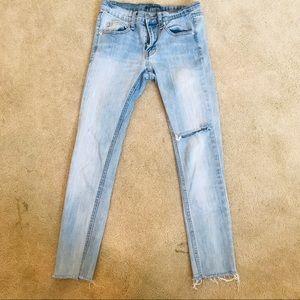 Brandy Melville Light Wash Jeans
